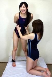 美人教師とレズ女子高生 禁断のくすぐり遊戯